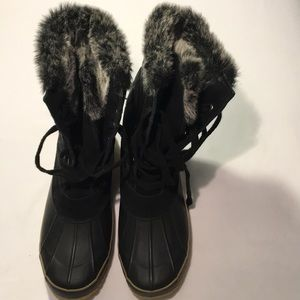 Bass Peakaboo Leather Quilted Fur Lined Boots